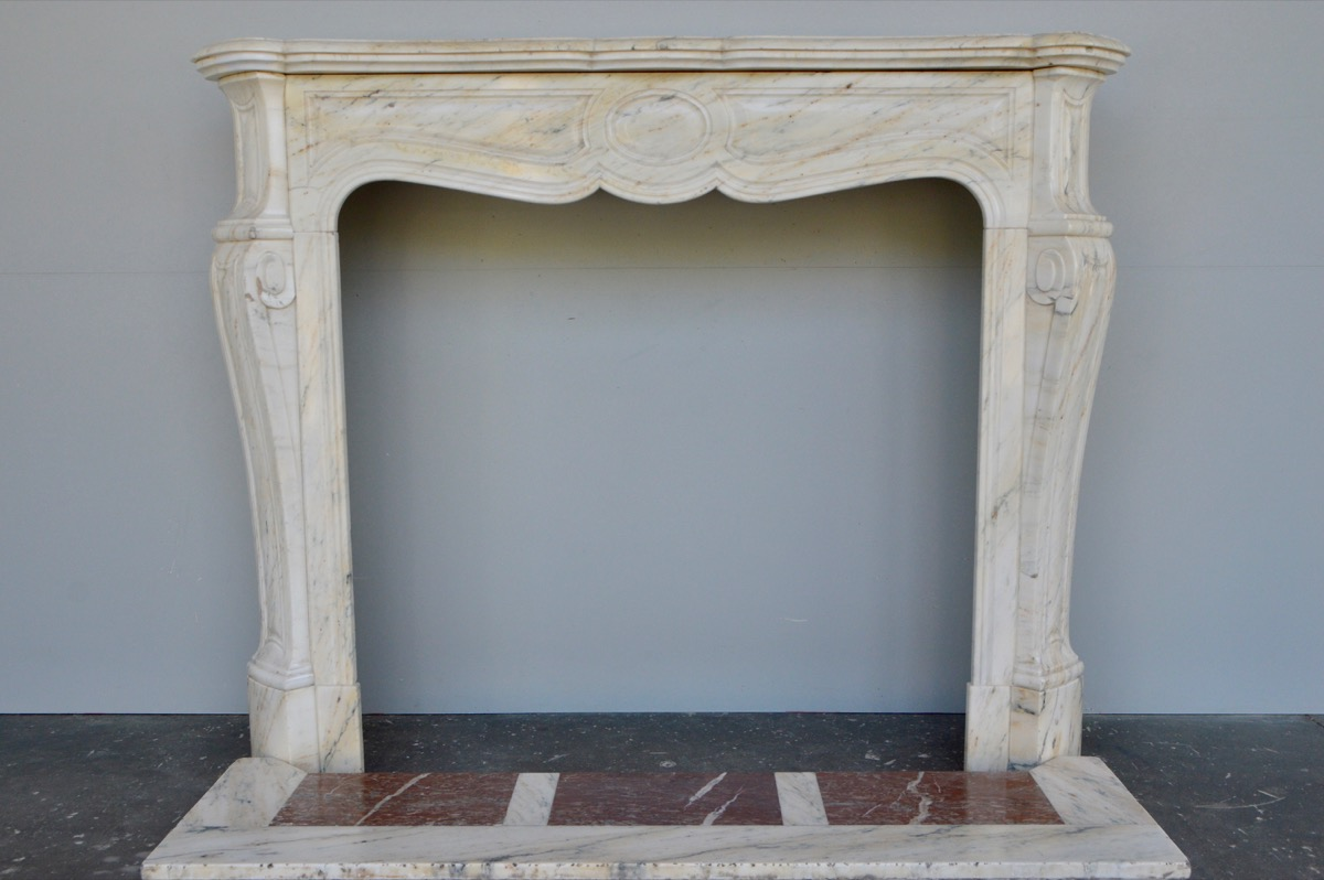 Antique fireplace  - Marble  - XXthC.