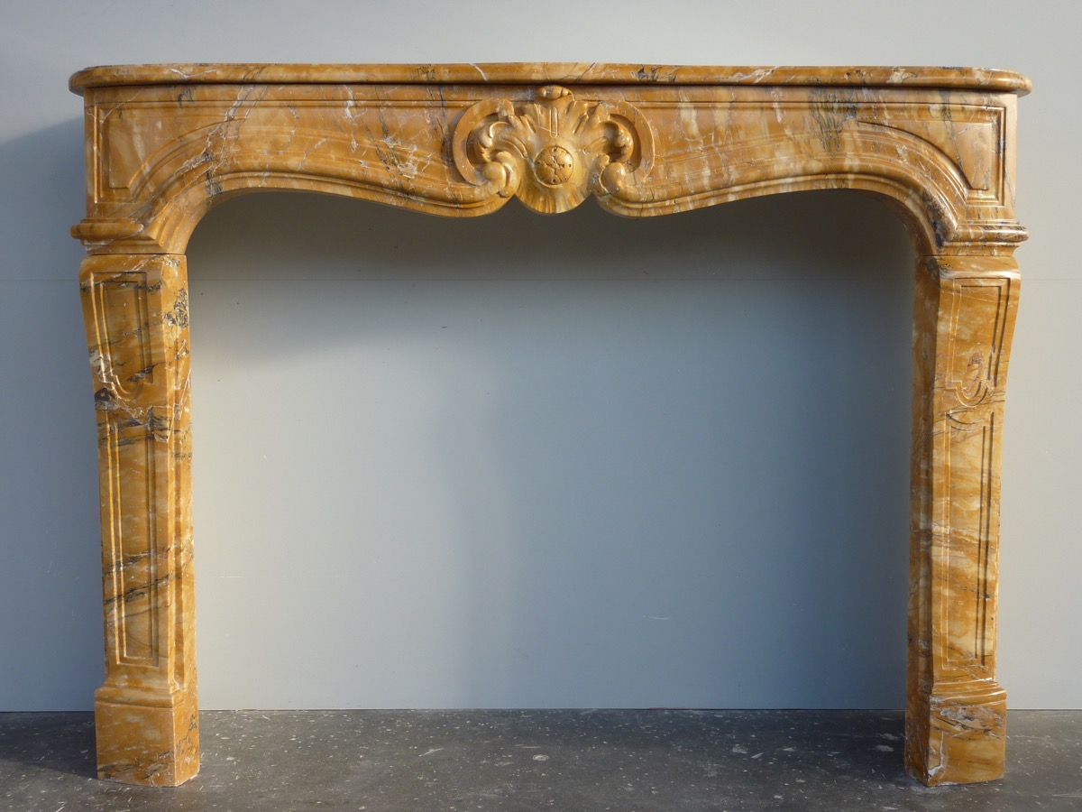 Antique fireplace  - Marble - Louis XV - XIXth C.