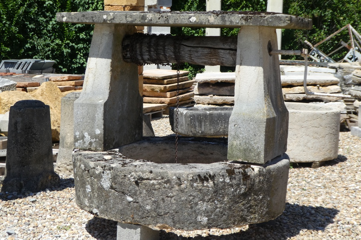 Antique well, Edge well  - Stone - Rustic country - XIXthC.
