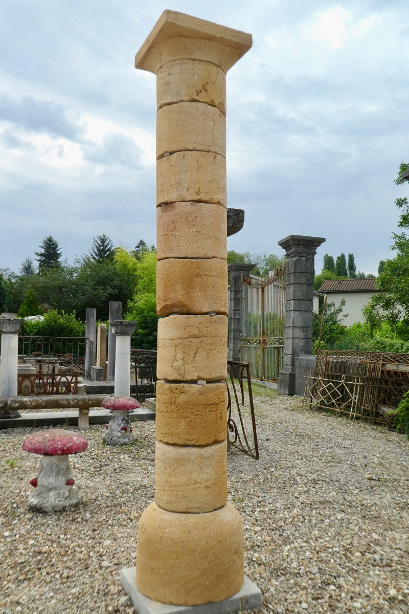 Antique column, Pillar  - Stone - Rustic country - XVIIIthC.