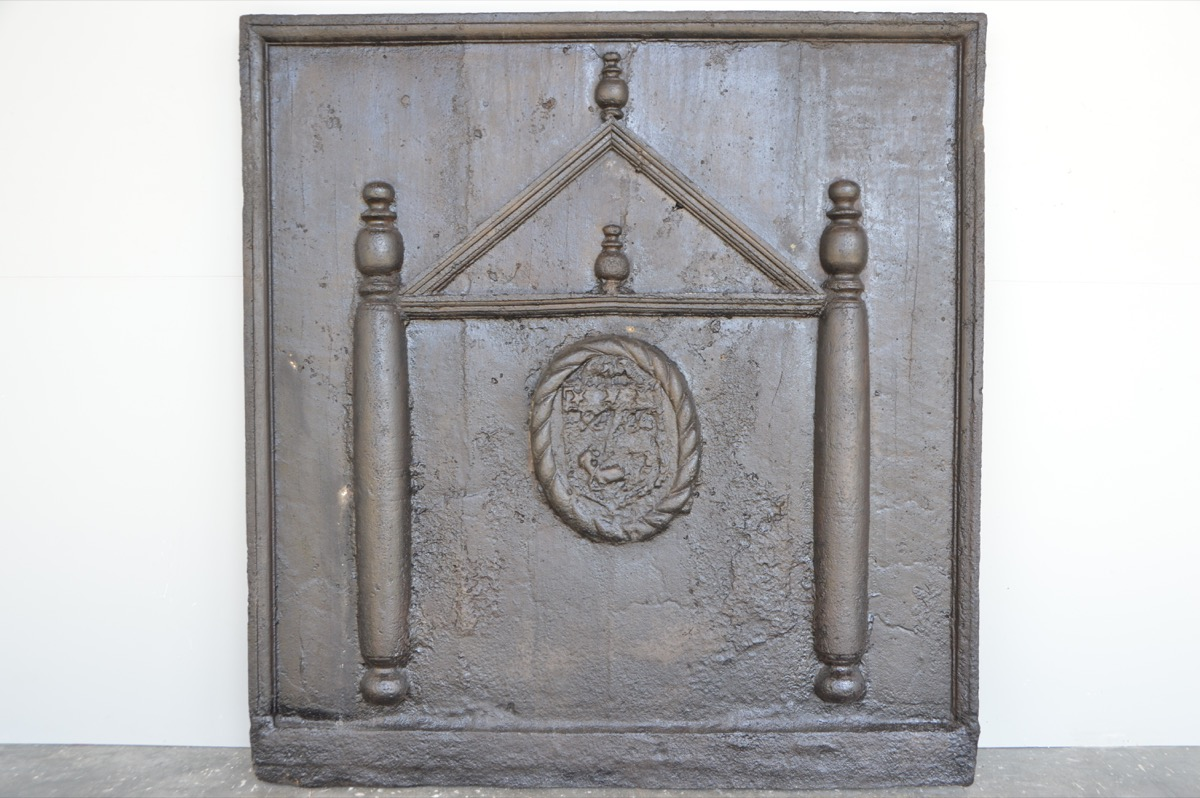 Antique fireback, Cast iron fire-back  - Cast iron - Louis XVI - XVIIthC.