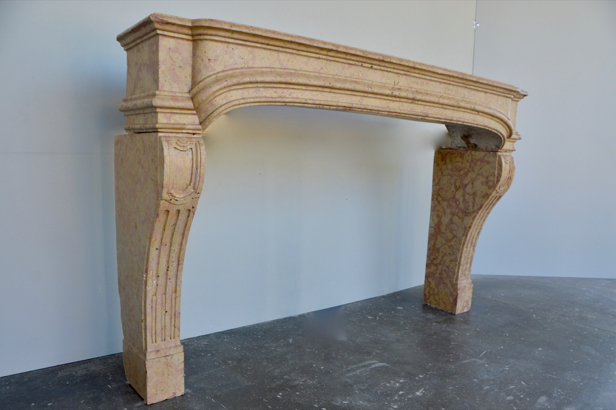 Antique fireplace  - Stone - Louis XIV - XVIII<sup>th</sup> C.