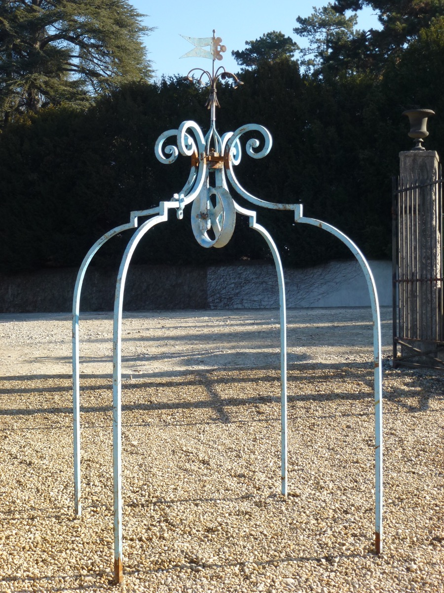 Antique well, Edge well  - Wrought iron - Louis XIV - XVIIIthC.