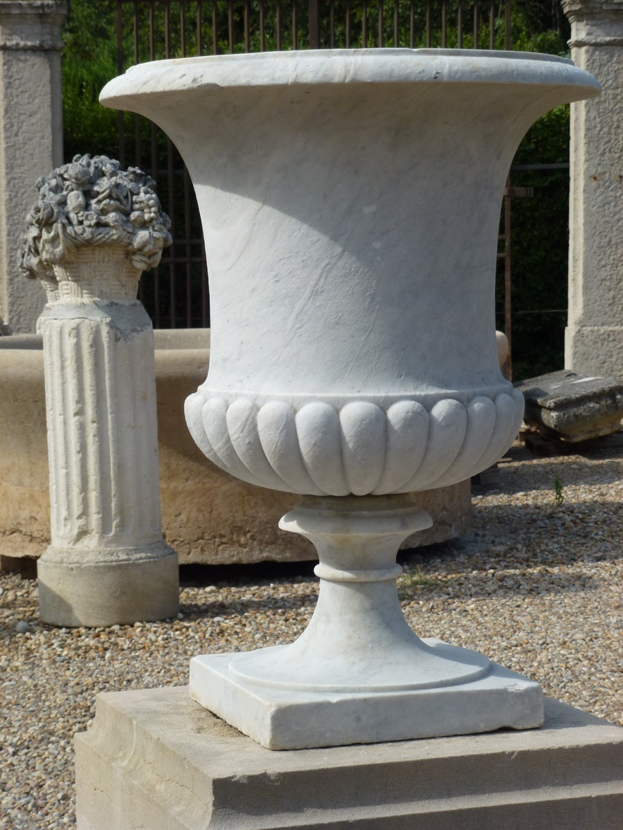 Antique urn  - Marble - Louis XV - XVII<sup>th</sup> C.