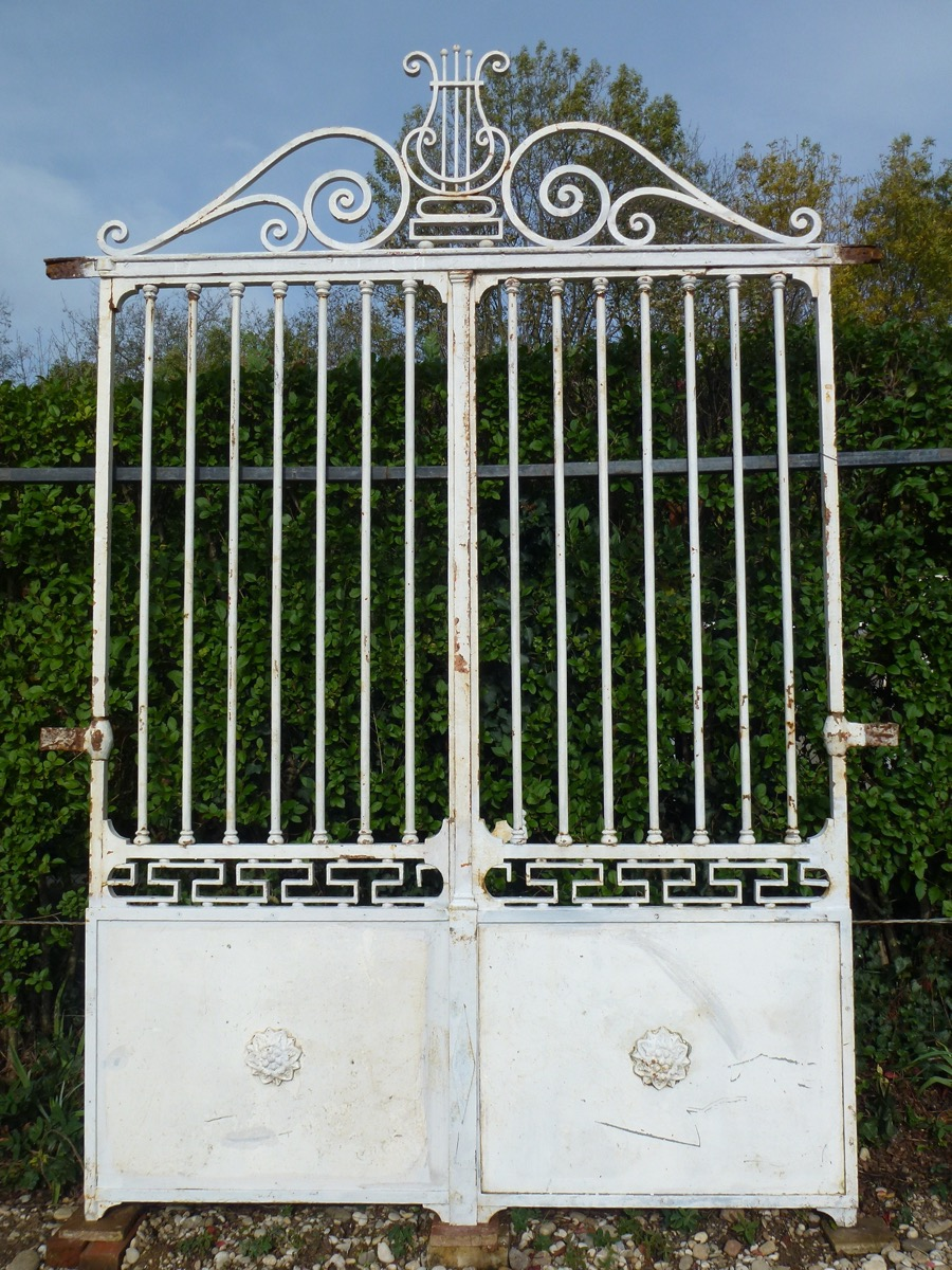 Antique gate, Gatepillar  - Wrought iron - Charles X - XIXth C.