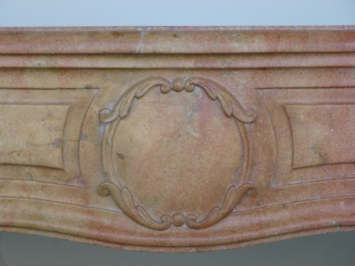 Antique fireplace  - Stone - Louis XV - XVIII<sup>th</sup> C.