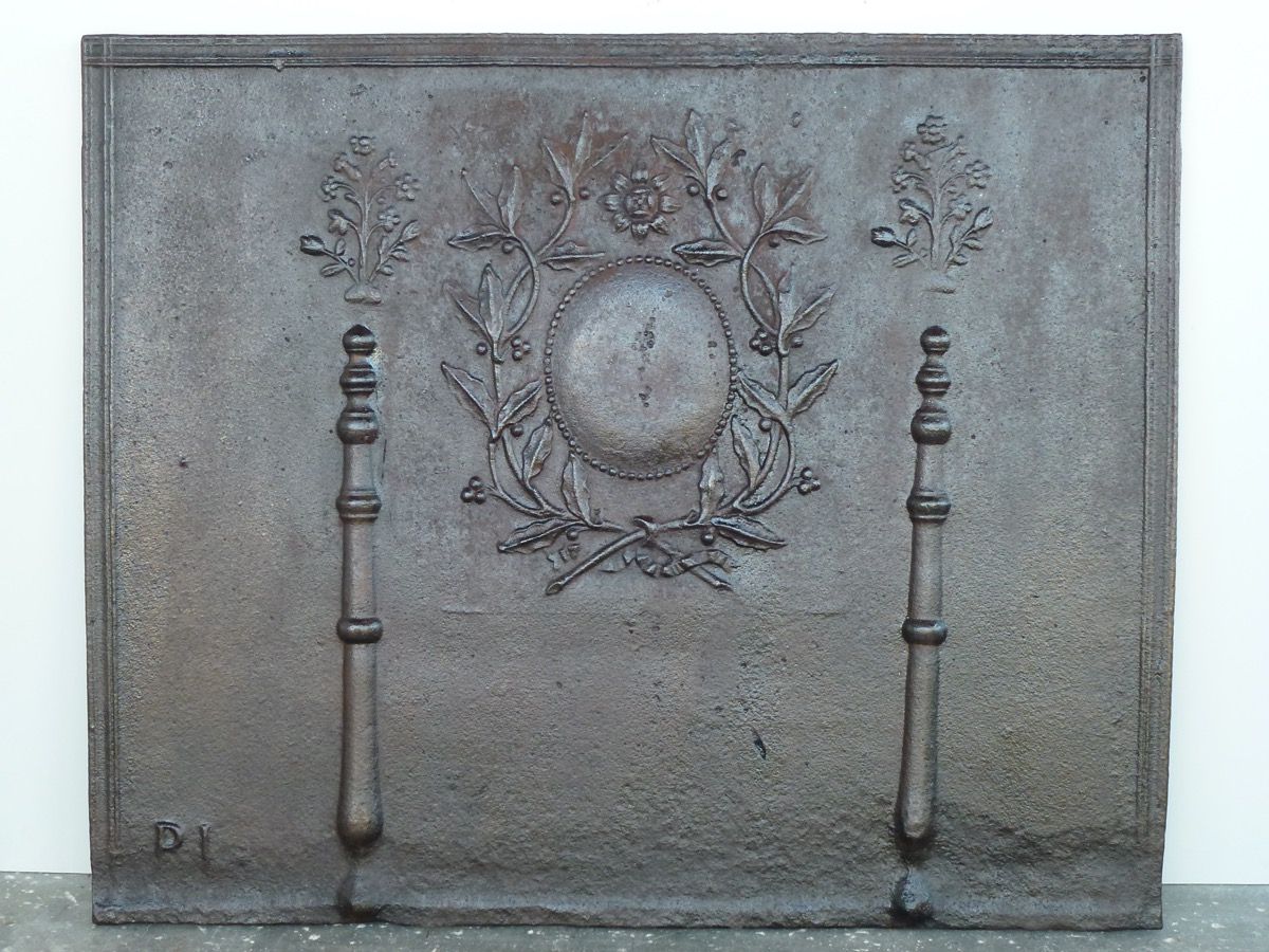 Antique fireback, Cast iron fire-back  - Cast iron - Louis XVI - XVIIIth C.