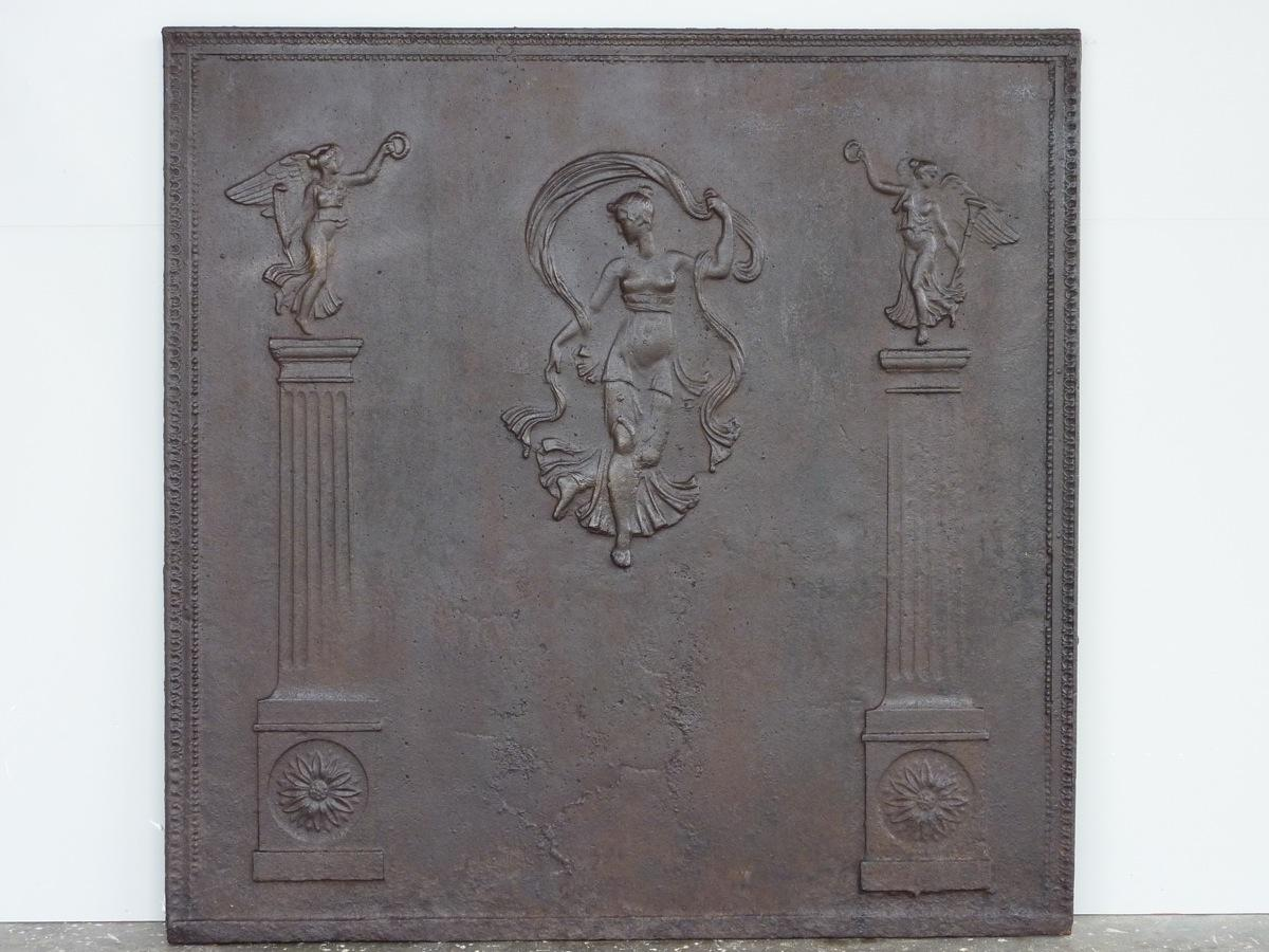 Antique fireback, Cast iron fire-back  - Stone - Restauration - XVIIIthC.