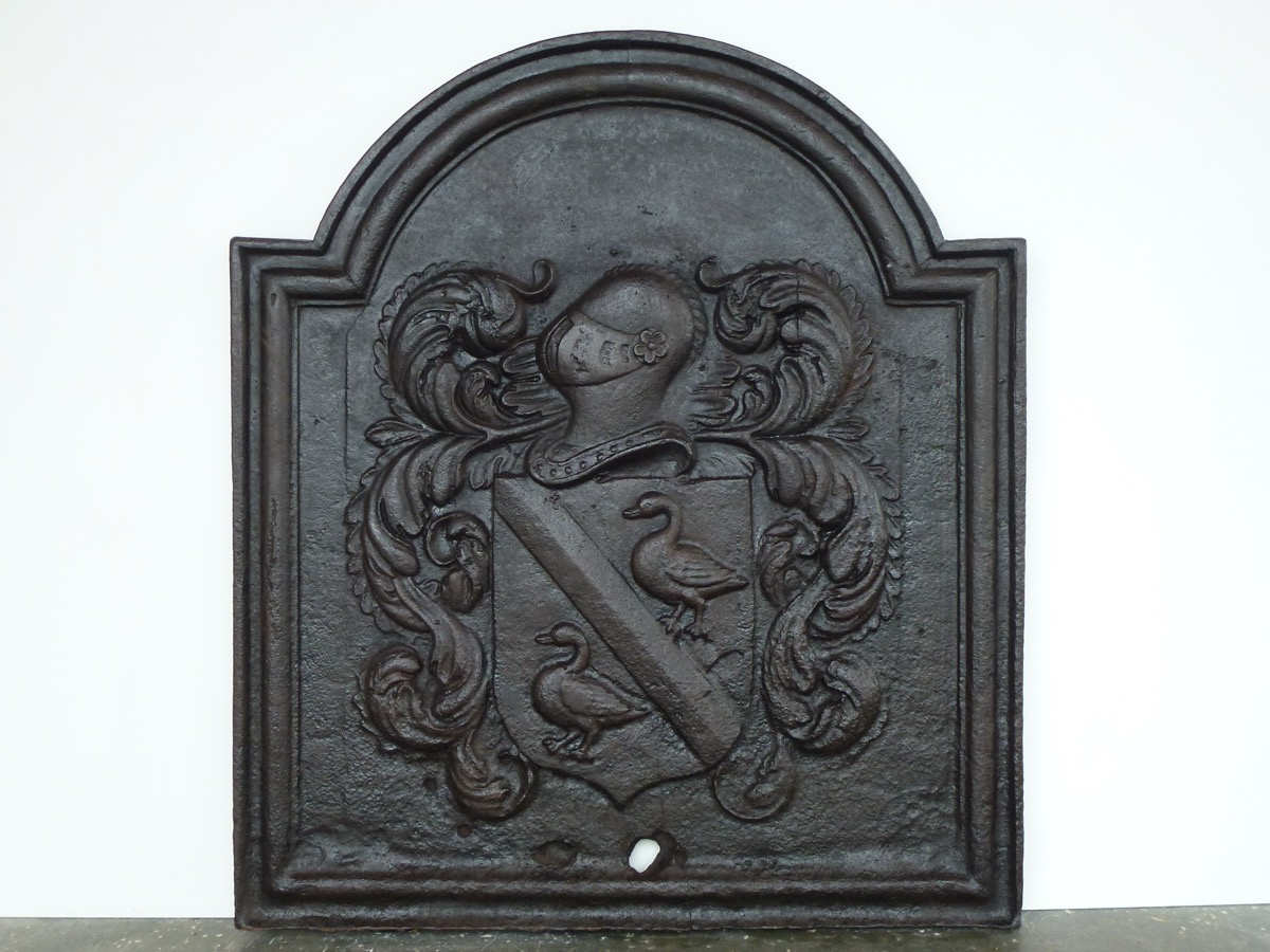 Antique fireback, Cast iron fire-back  - Cast iron  - XVIth C.