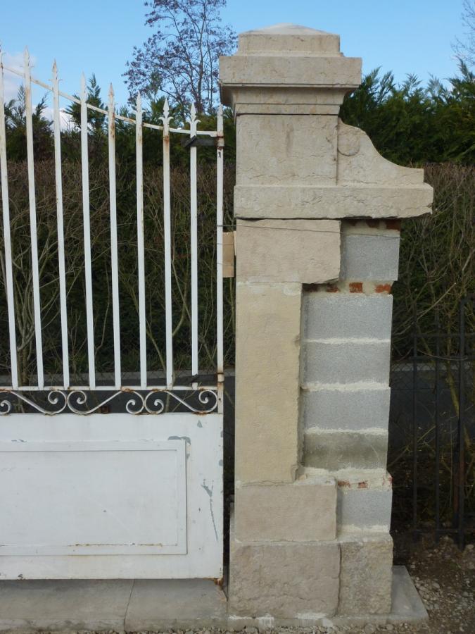 Portail ancien piliers en pierre pierre napol on iii xixe s pf 252 - Pilier de portail en pierre ancien ...