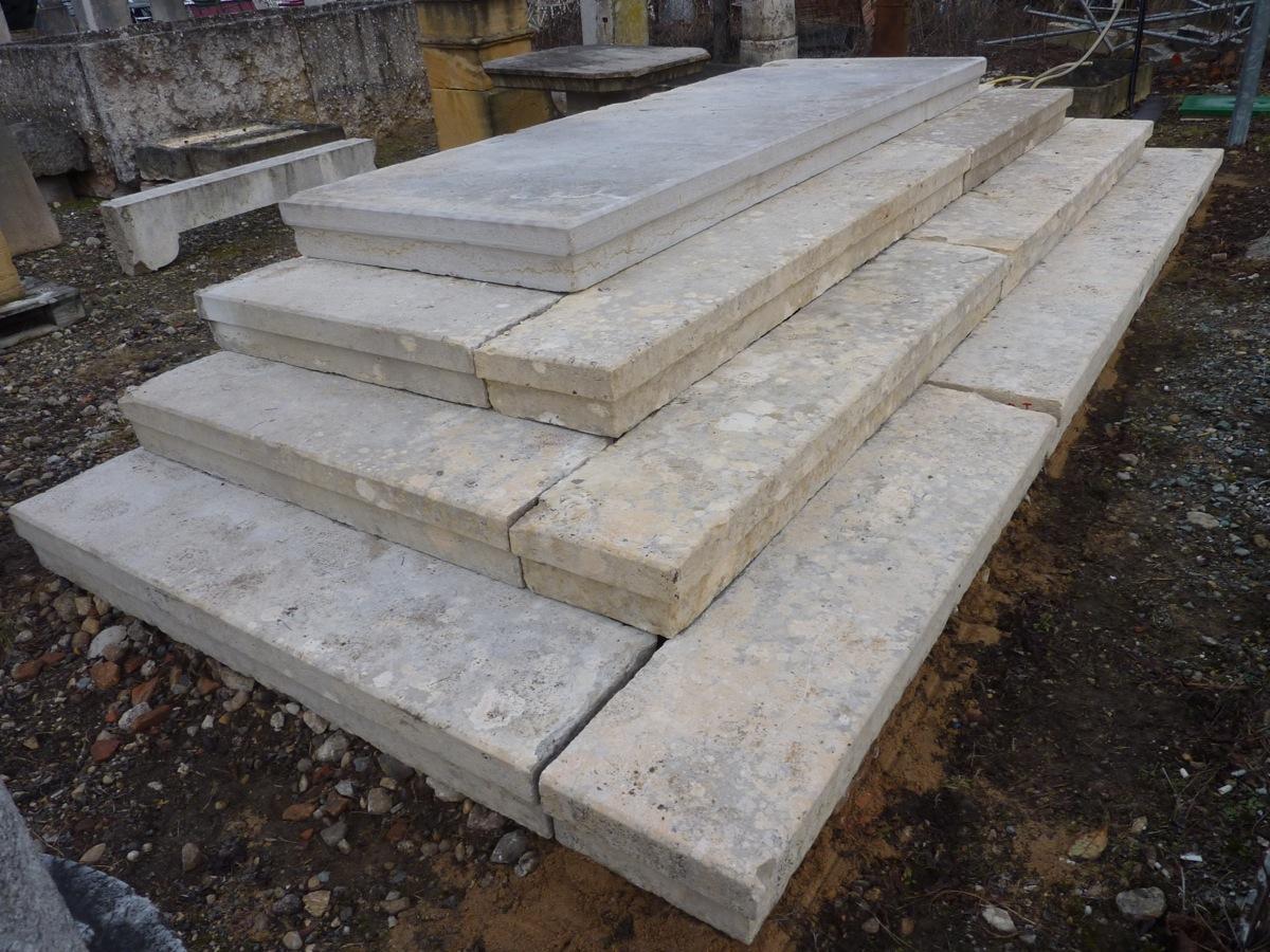 escalier en pierre ancien pierre xixe s a 273. Black Bedroom Furniture Sets. Home Design Ideas