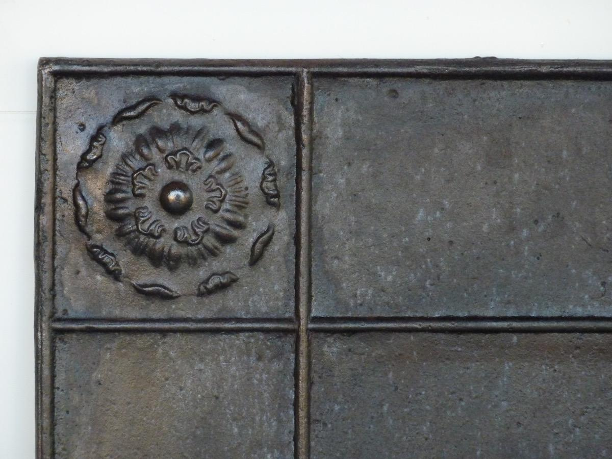 Antique fireback, Cast iron fire-back  - Cast iron - Restauration - XIX<sup>th</sup> C.