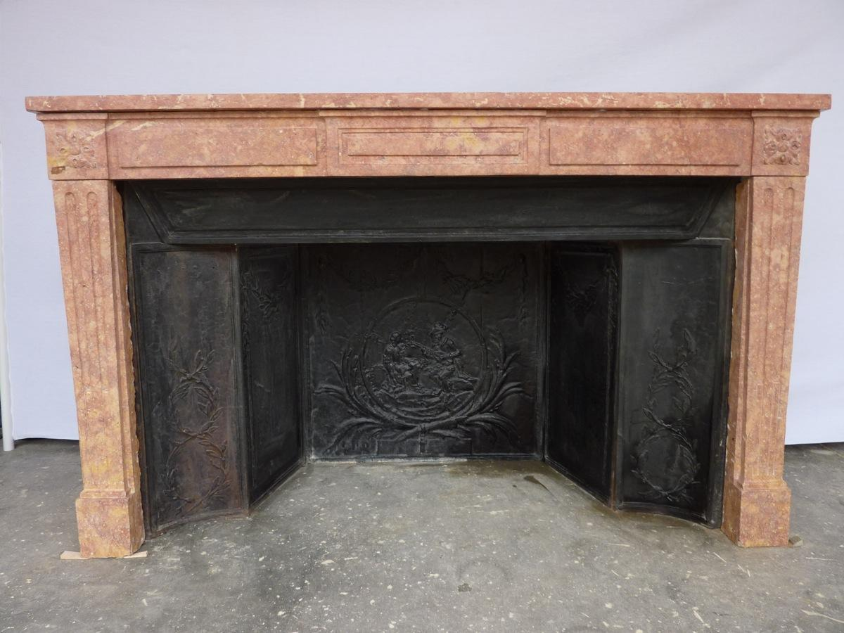 Antique fireplace  - Stone - Louis XVI - XVIIIthC.