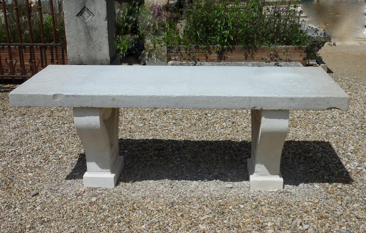 Table de jardin en pierre awesome table de jardin en for Vente table de jardin