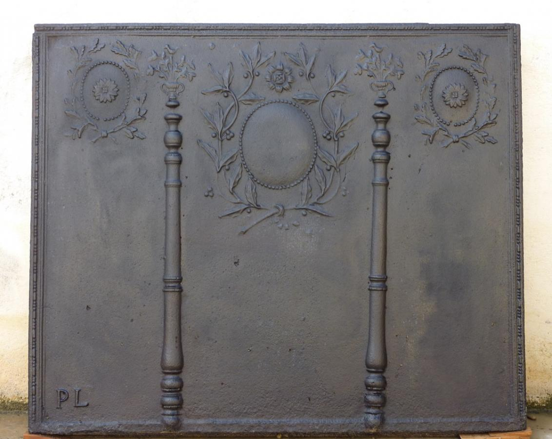 Antique fireback, Cast iron fire-back  - Cast iron - Louis XVI - XVIIIthC.