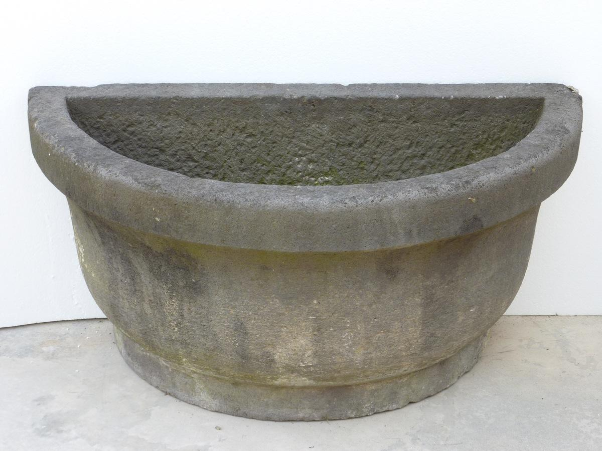 Antique stone fountain  - Stone - Louis XV - XVIIIthC.