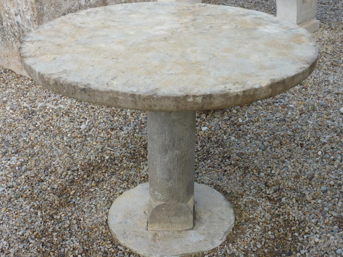 Table de jardin en pierre  - Pierre - Louis XIV - XVIIe S.