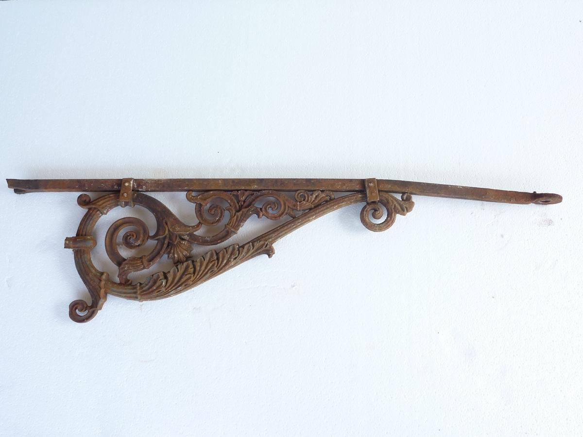 Antique bracket  - Cast iron - Haussmannien - XIXth C.