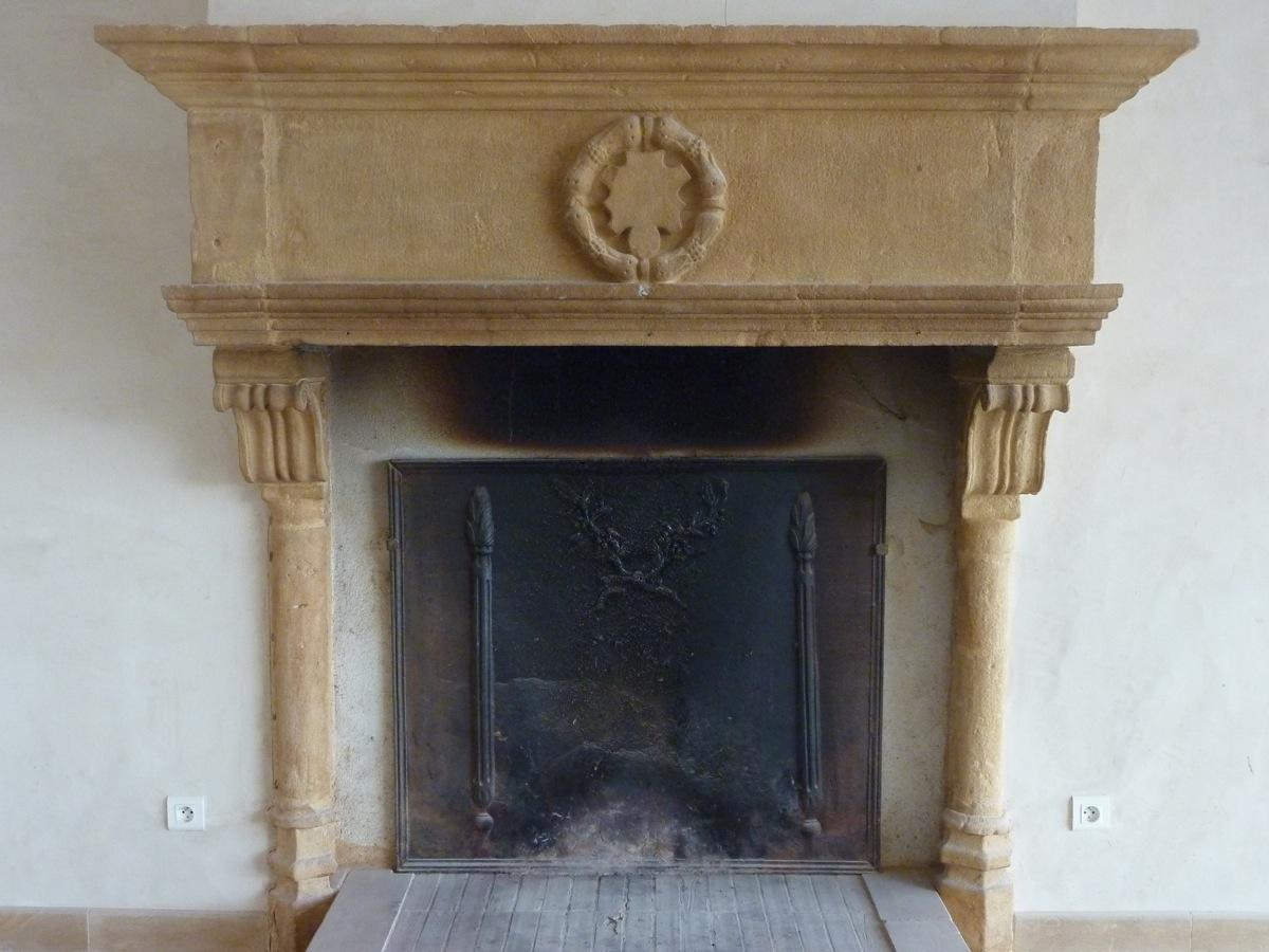 Antique fireplace  - Stone - Louis XIII - XVIIthC.