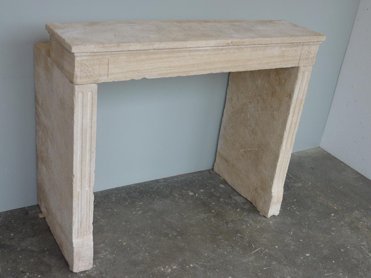 chemin e ancienne pierre louis xvi xviiie s c 826. Black Bedroom Furniture Sets. Home Design Ideas