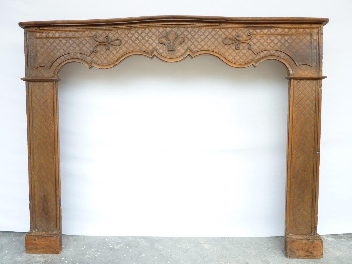 Antique fireplace  - Wood - Régence - XVIIIthC.