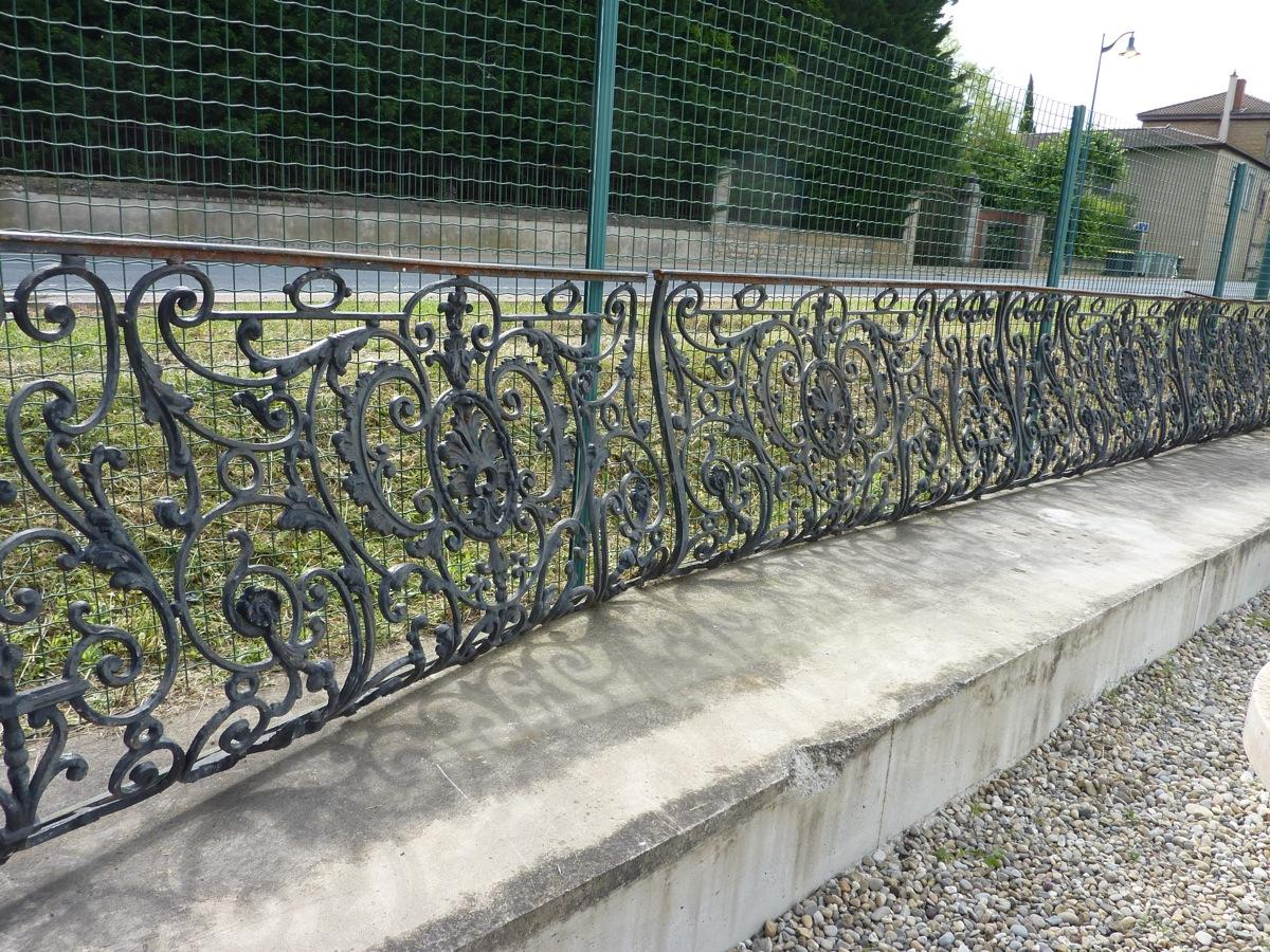 Antique balcony, Balustrade  - Cast iron - Louis XV - XIXth C.