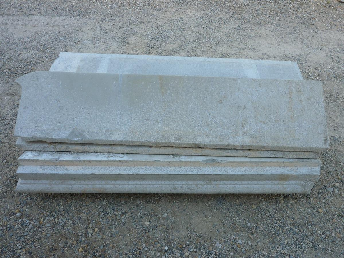 Antique stone stairs, Antique stone front steps  - Stone - Restauration - XIX<sup>th</sup> C.
