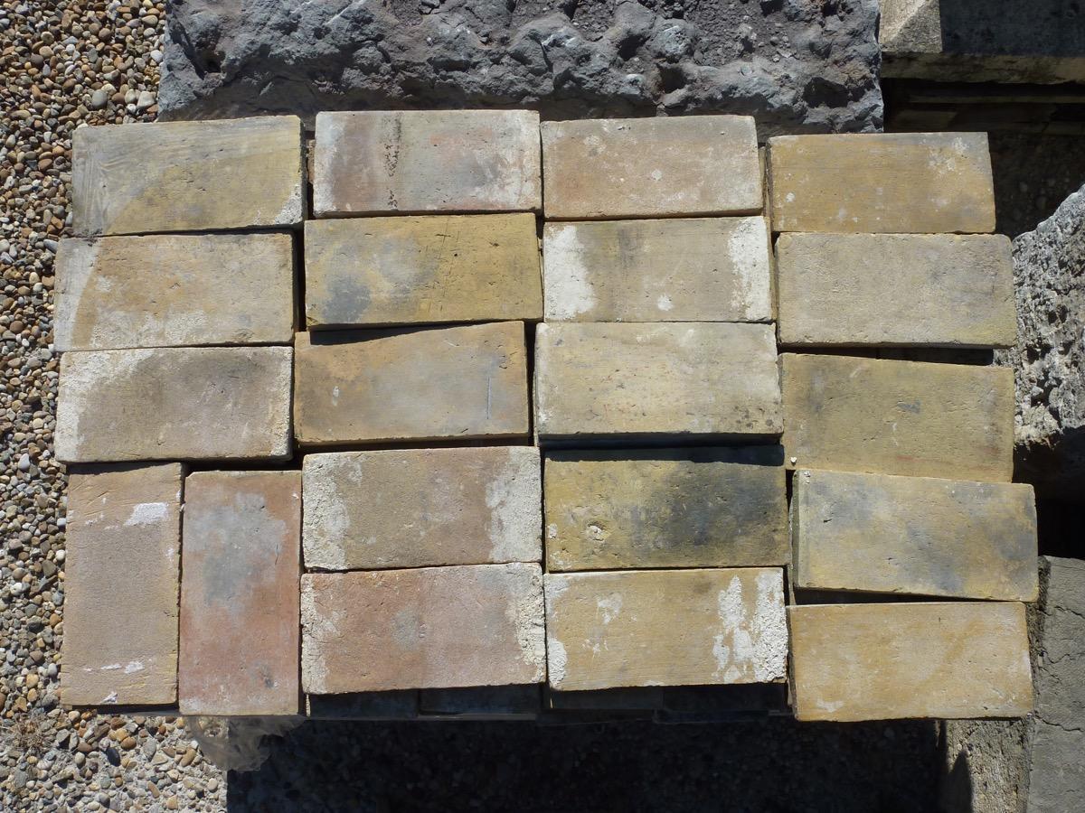 Dallage en pierre carrelage ancien terre cuite gr s for Achat carrelage ancien