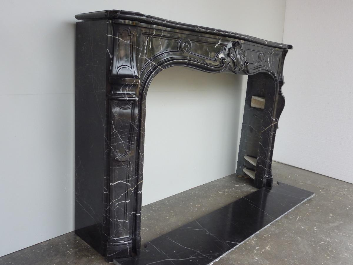 chemin e ancienne marbre louis xv xviiie s c 956. Black Bedroom Furniture Sets. Home Design Ideas